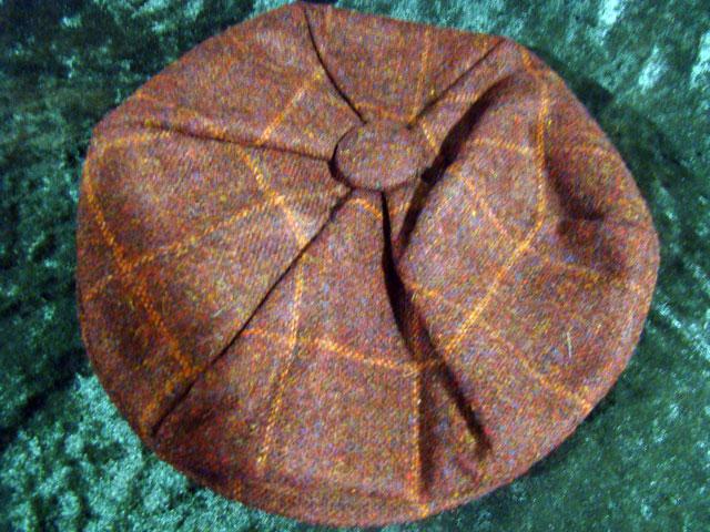Gentleman's motoring cap in tweed